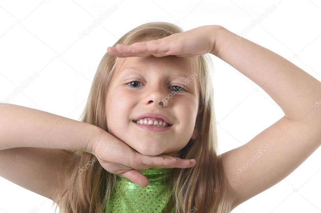 niedliche kleine Mädchen Gesicht in Körperteile lernen Schule ...
