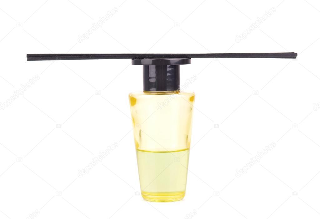 Damen Parfum in schönen Flasche mit Blume, isoliert auf weiss ...