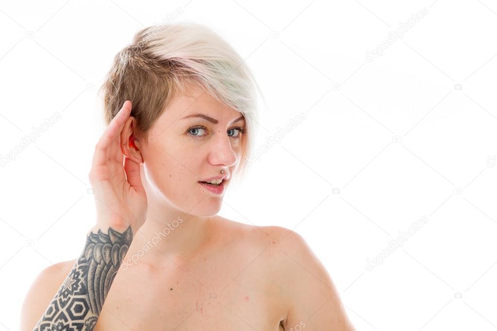 γυμνό μοντέλο ακροάσεις