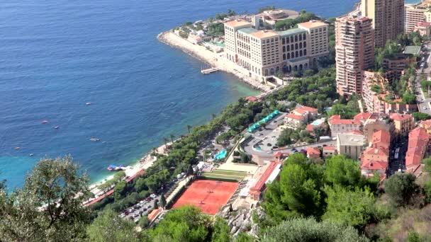 pohled z ptačí perspektivy montecarlo beach a tenisu