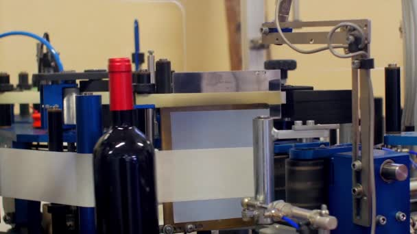 Bottling lines and wine bottling equipment