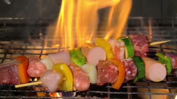 Grillezés a nyársonsült húst