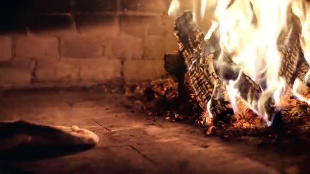 vaření pizza v lese padáka trouba