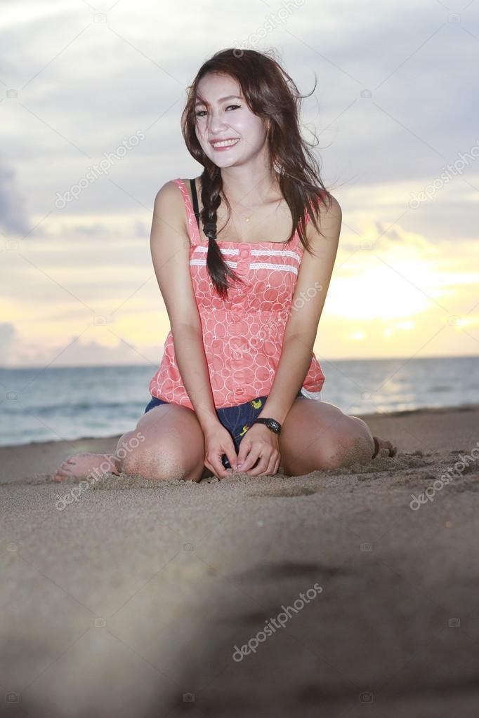Тайская девушка пляж девушка