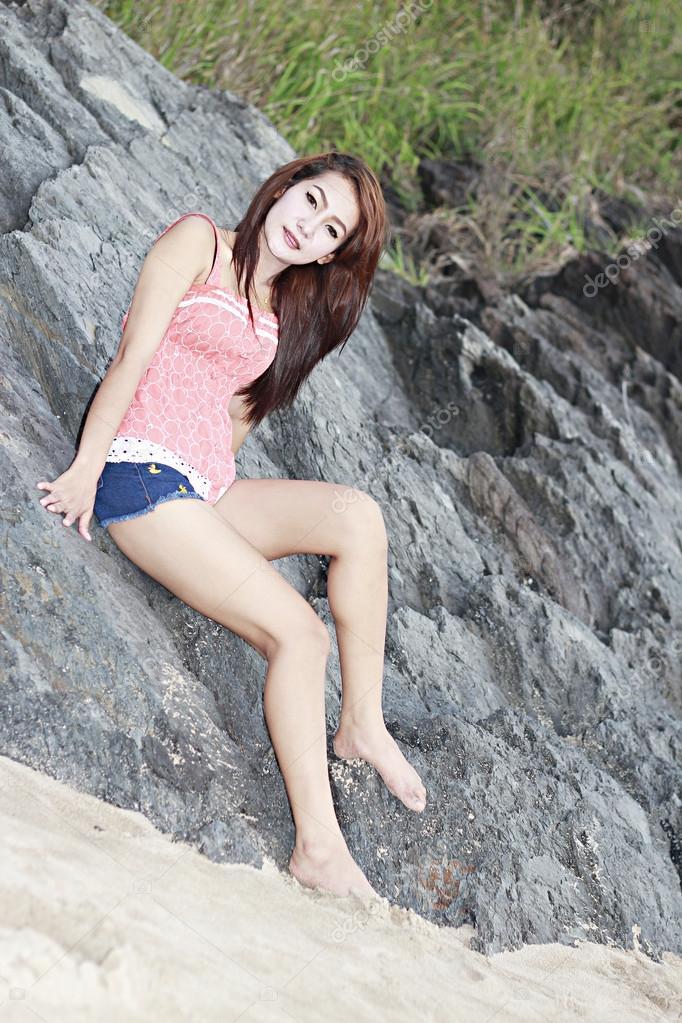 Фотографии крупным тайская девушка пляж парни