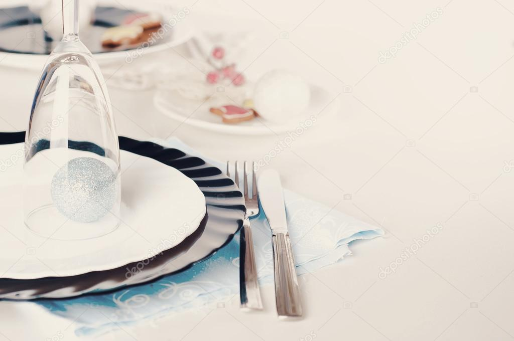Stylish blue and silver Christmas table setting u2014 Stock Photo & Stylish blue and silver Christmas table setting u2014 Stock Photo ...