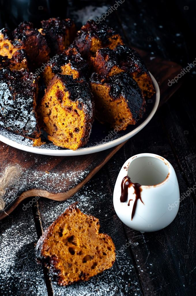 Kuchen Mit Marmelade Und Schokolade Stockfoto C Lyulka 86 90534908