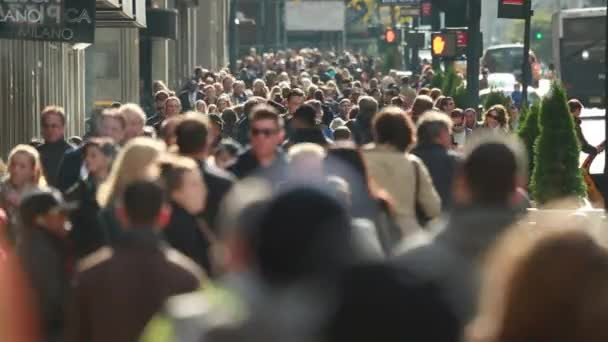 lidé na ulici v New York City