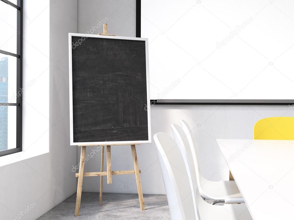 Socle de tableau noir et tableau blanc en béton chambre avec vue de ...