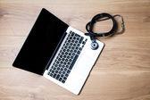 Fotografie Laptop und Stethoskop top