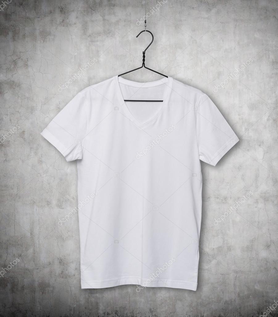 Plano De PerchaPrimer Blanca En FondoCamisa La Camiseta 2YEDWHe9I
