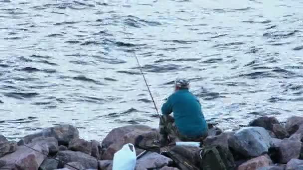 rybář rybolov na Finského zálivu