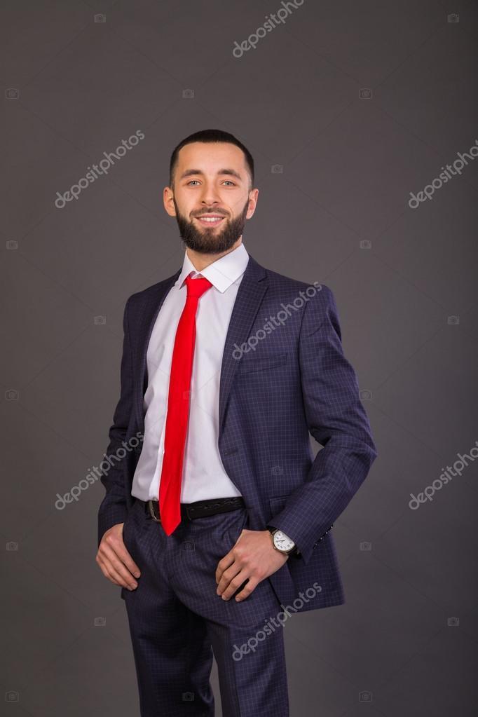 plus récent 4ed57 f7f19 Jeune homme d'affaires. Un homme dans un beau costume ...