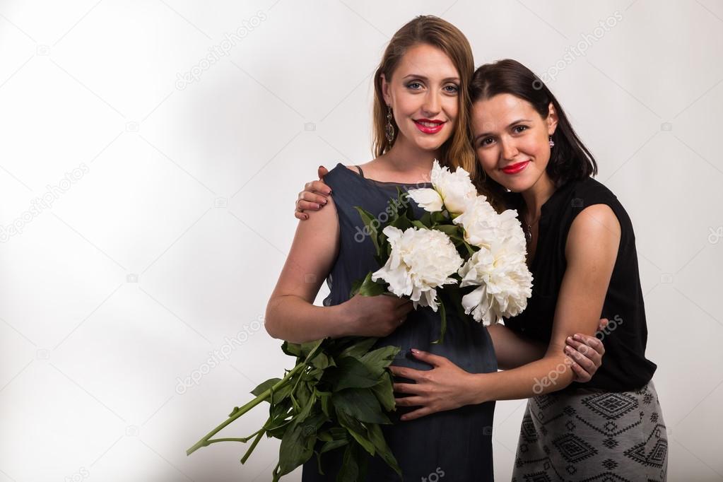 женщина со своей подругой