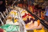 Italská zmrzlina v kavárně
