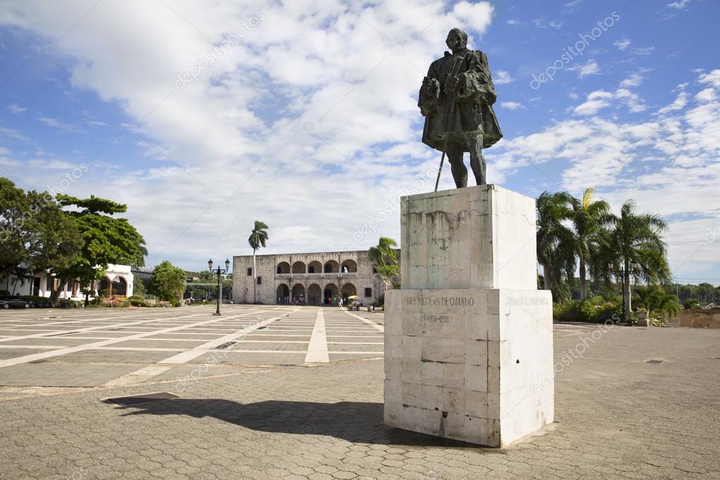 Image result for Domingo: do Palácio para a Praça