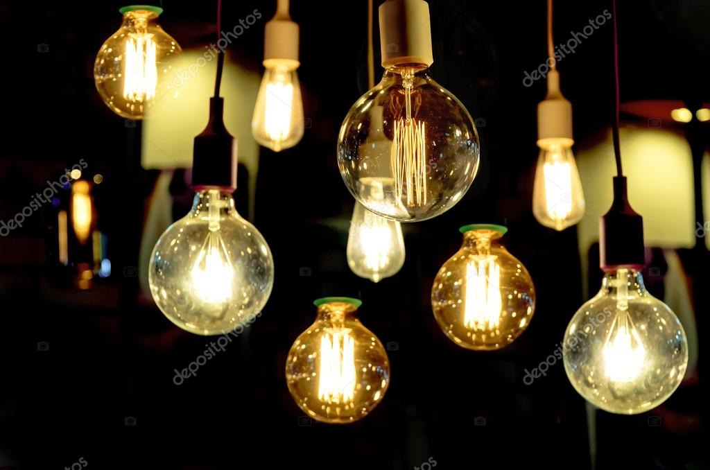 https://st2.depositphotos.com/2712843/12342/i/950/depositphotos_123425020-stockafbeelding-luxe-verlichting-decoratie.jpg