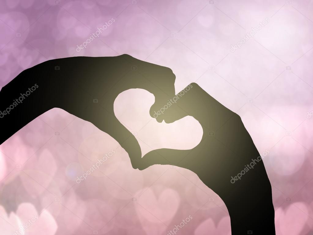Dos Manos Haciendo La Forma Del Corazón