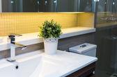 Luxus belső fürdőszoba, Közelkép a csapot