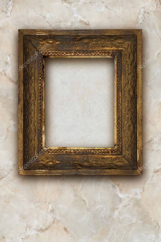 Klassische alte hölzerne Bilderrahmen geschnitzt von Hand auf Marmor ...