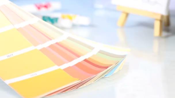 Výběr z palety barev stupnice, štětcem