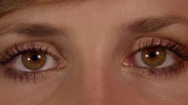 Oči přímo