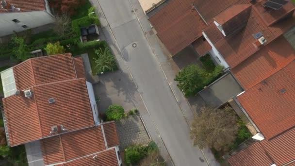 Řadové domy v příměstské města