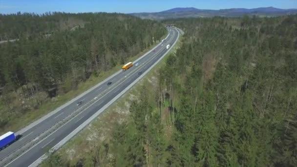 Anténa: Rušné dálnice v Evropě