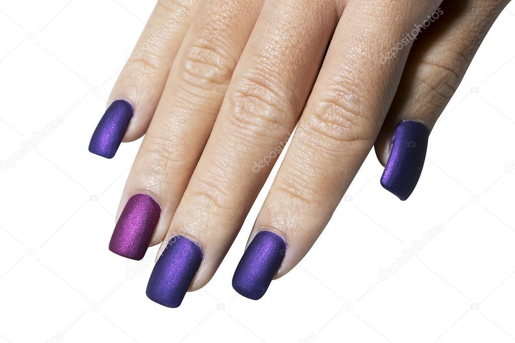 Mano con esmalte de uñas color morado — Foto de stock © kittimages ...