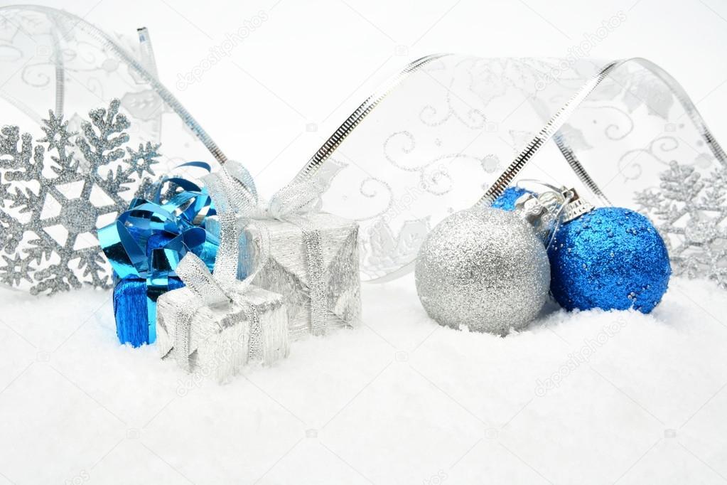 argent bleu boules de no l cadeaux flocon de neige avec. Black Bedroom Furniture Sets. Home Design Ideas