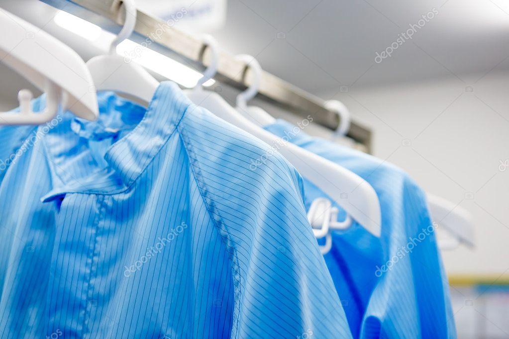 Reinraum-Kleid für factory — Stockfoto © wittybear #105604752