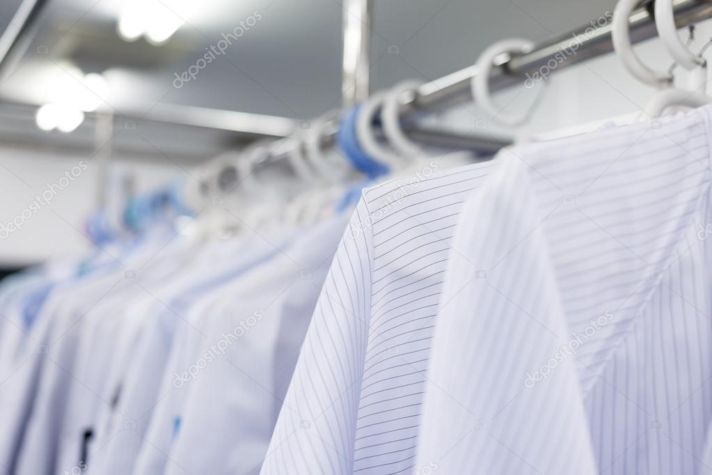 Reinraum-Kleid für factory — Stockfoto © wittybear #61836407