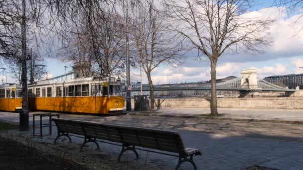 villamos megáll view és a Széchenyi Lánchíd, Budapest