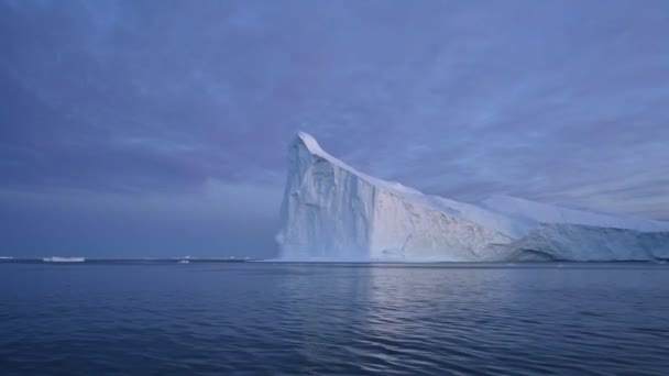 4K floating glaciers in the Gulf of Dicso Bay in western Greenland