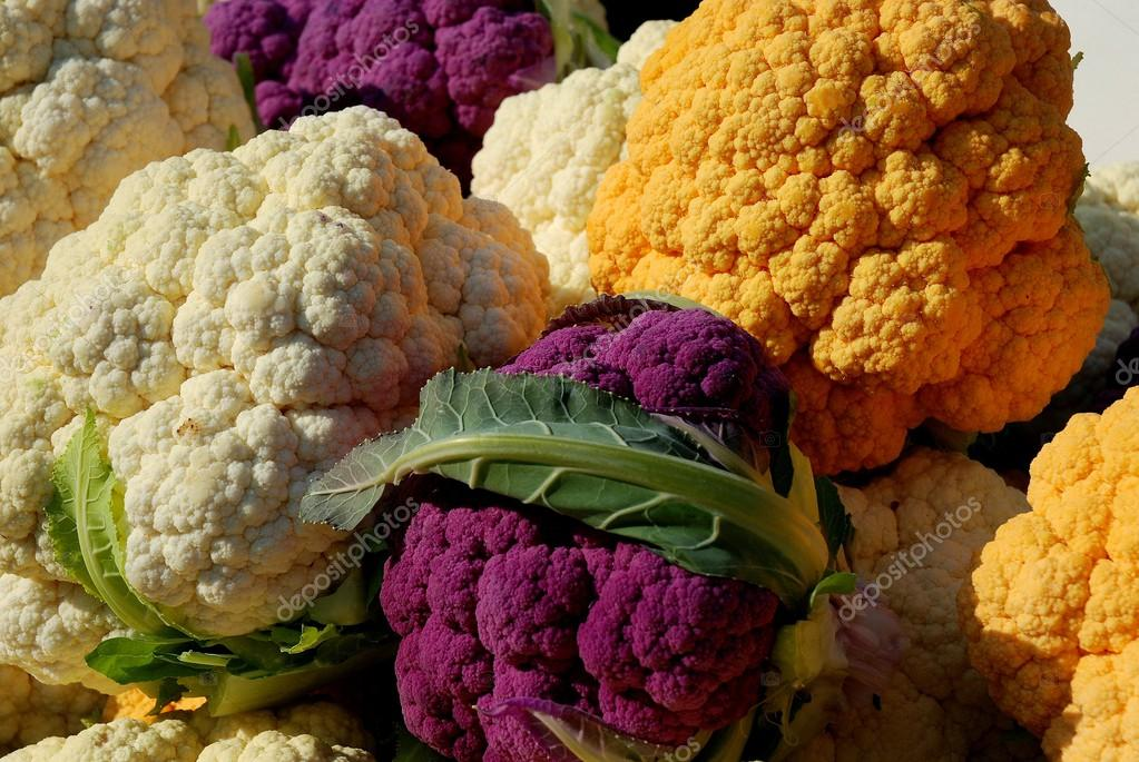 NYC: Cauliflower at Farmer's Market — Stock Photo