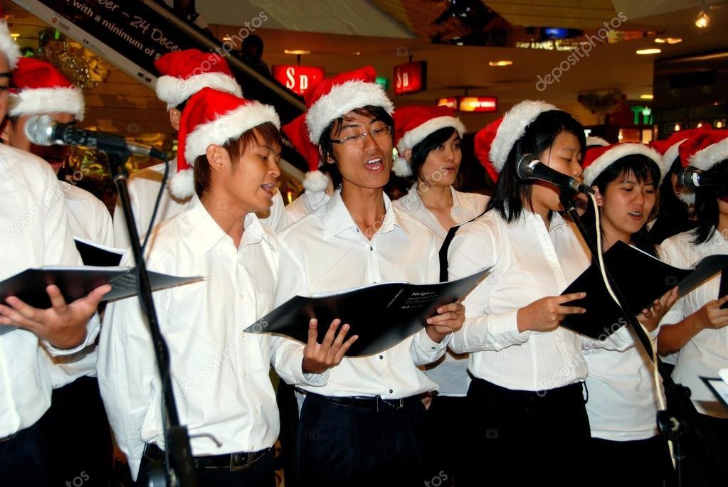 Chöre Singen Weihnachtslieder.Singapur Chor Singen Weihnachtslieder Redaktionelles Stockfoto