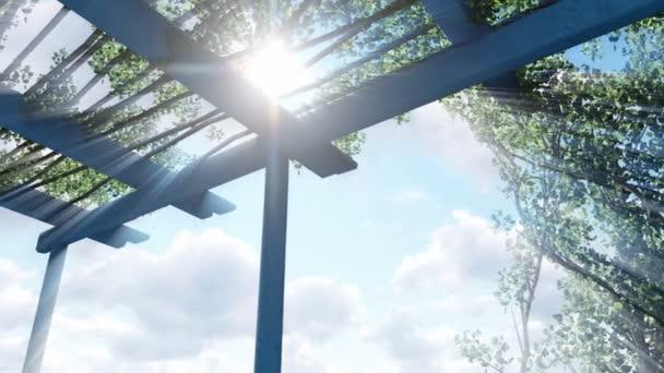Slunce svítí skrz pergola shora