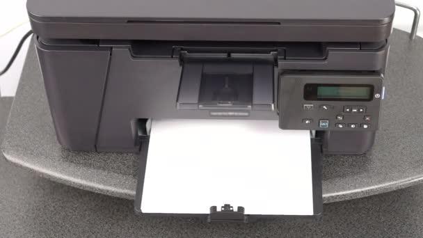 Tisk dokumentů na laserové tiskárně