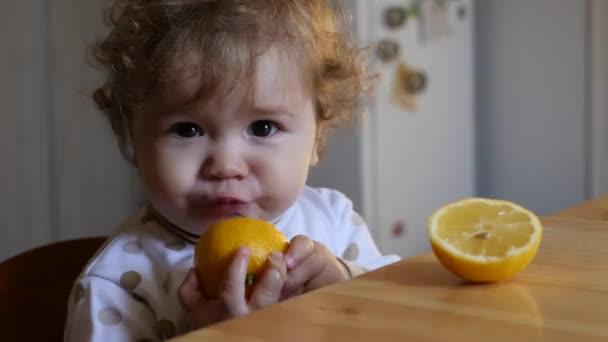 Baby Essen orange