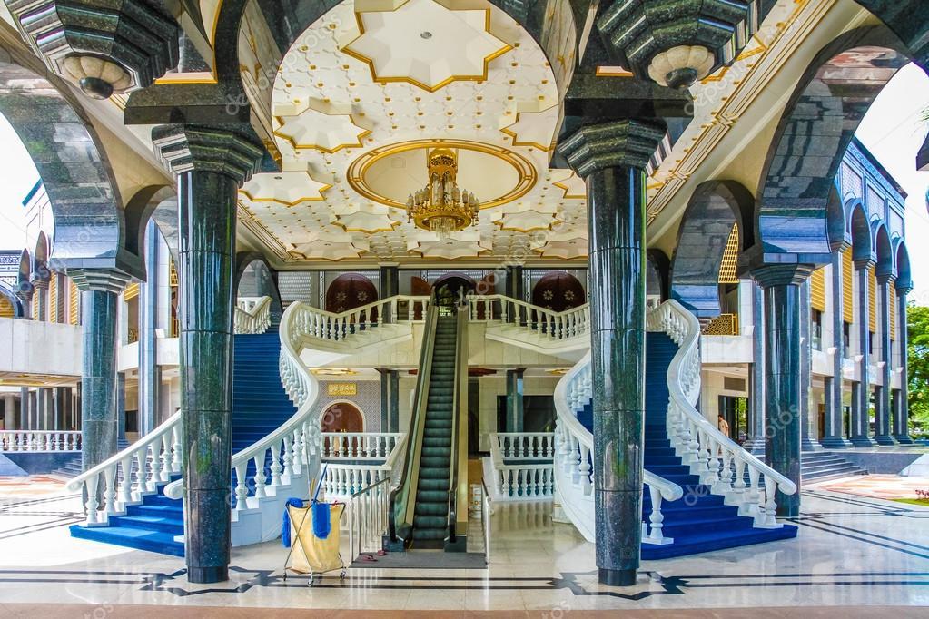 Jame Asr Hassanil Bolkiah Mosque Entrance-Brunei – Stock Editorial ...