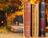 Knihy o přírodní pozadí