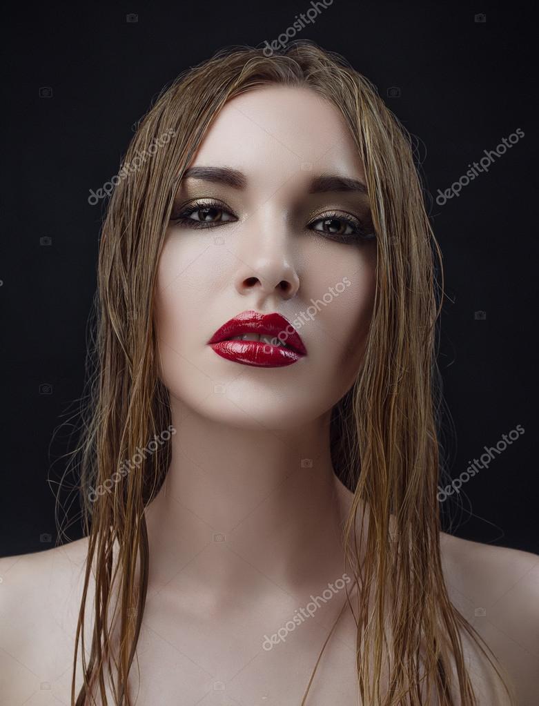 https://st2.depositphotos.com/2775931/7105/i/950/depositphotos_71059615-stock-photo-red-lips-wet-hair-women.jpg