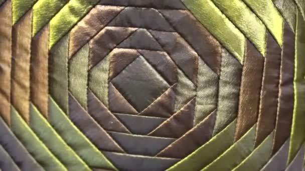 hedvábné vzorování textilie zelené a lesklé luxus