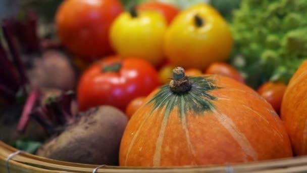 Čerstvá zelenina, pět barevných vitamín a zdravé potraviny
