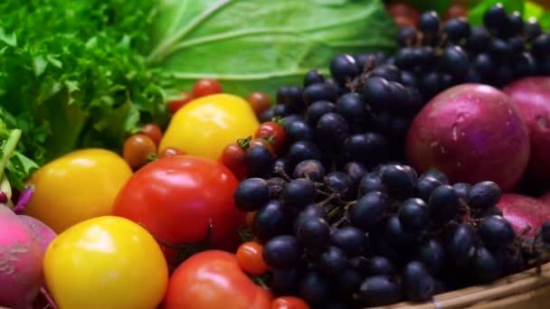 Friss zöldségek, öt színes vitamin-egészséges táplálkozás