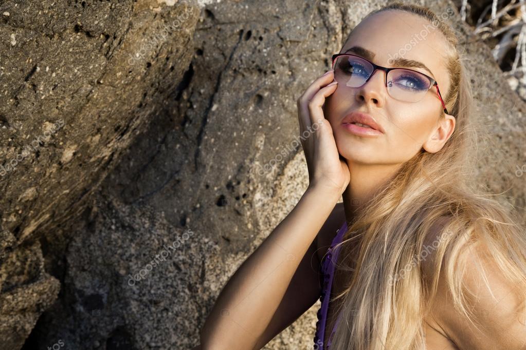Ragazza Giovane Capelli Sexy Da Occhiali Biondi In Modello Donna Bei On4WAxv4