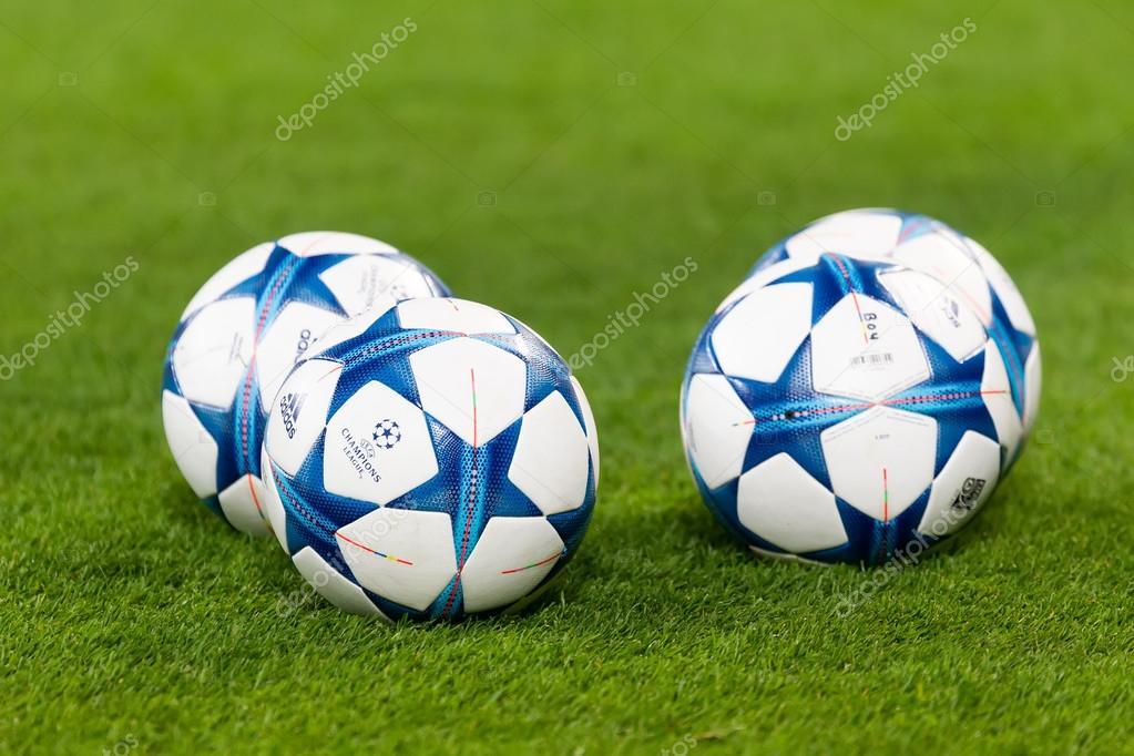0e6a19c92fd22 Fotos  pelotas de futbol
