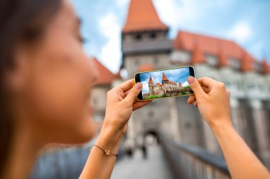 Photographing Corvin castle