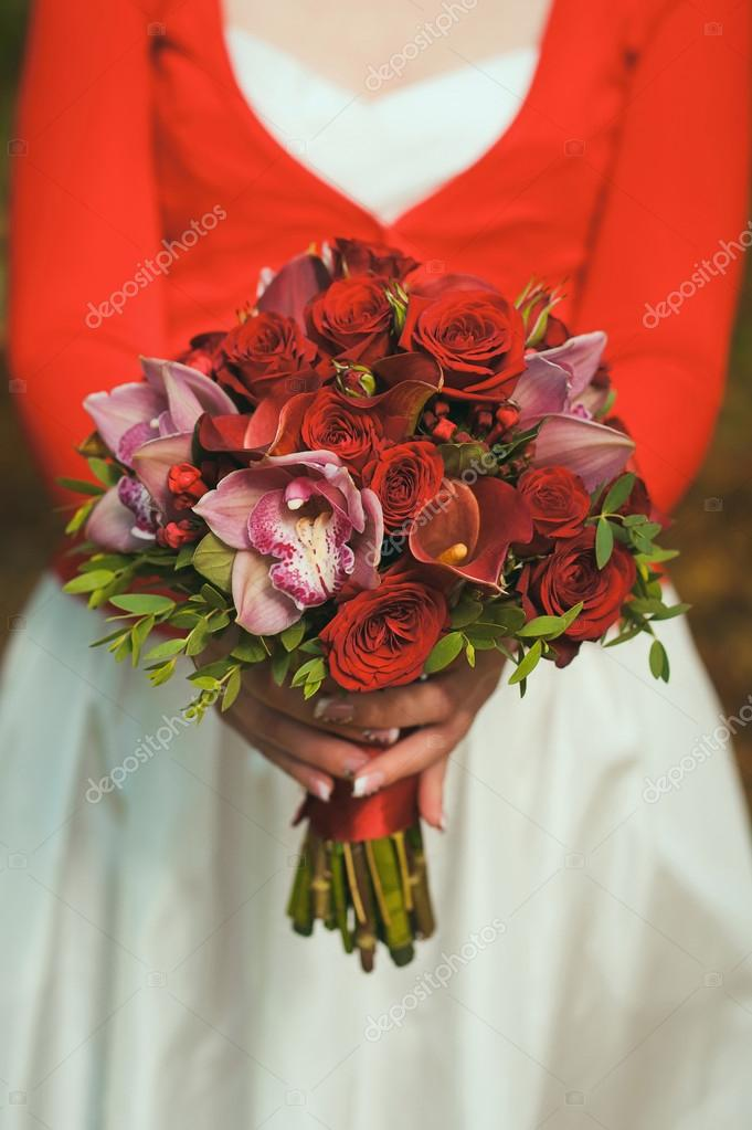 Dark Red Autumn Wedding Bouquet Of Roses And Calla Lilies Stock Photo 55851715