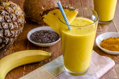 Pineapple, Banana, Coconut, Turmeric and Chia Seed Smoothies